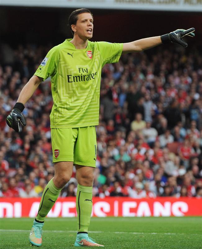 7a3afeeab Szczesny set for Juve. Arsenal