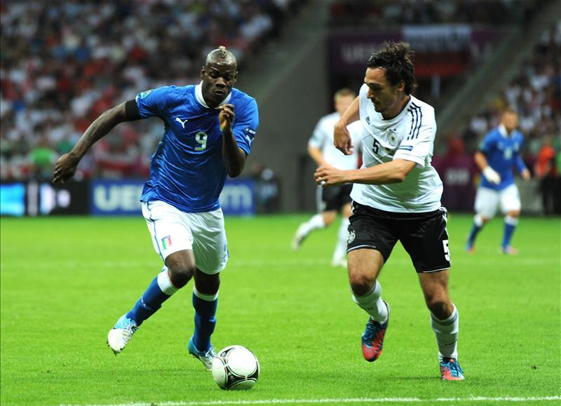 Mario Balotelli's agent has revealed that the Italy international striker is set to join Borussia Dortmund from Nice.