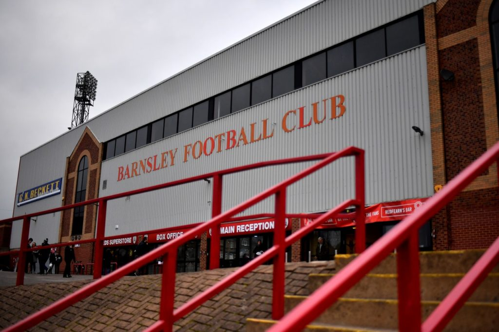 Barnsley gave their survival chances a huge boost with a 3-2 over South Yorkshire rivals Sheffield United at Oakwell.