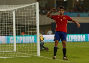Teenage winger Ferran Torres has declared his love for Valencia and says he intends to stay for 'many years' after signing a new deal.