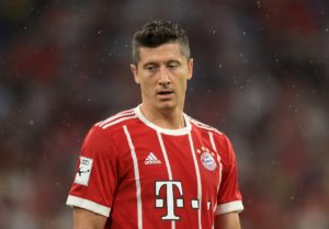 Manchester United have reportedly been warned they will have to award huge wages to Robert Lewandowski in order to sign him.