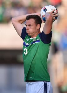 New Leicester recruit Jonny Evans has revealed Danny Simpson helped convince him to join the Foxes.