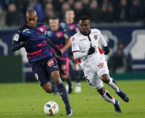 Diego Rolan has left Bordeaux and signed for Deportivo La Coruna for a reported six million euros.