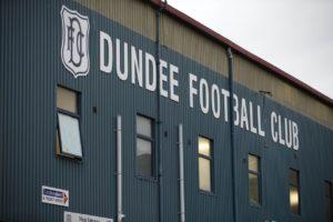 Dundee have signed Finland international striker Benjamin Kallman.