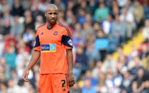 West Bromwich Albion have confirmed they have signed veteran defender Tyrone Mears on a short-term contract.
