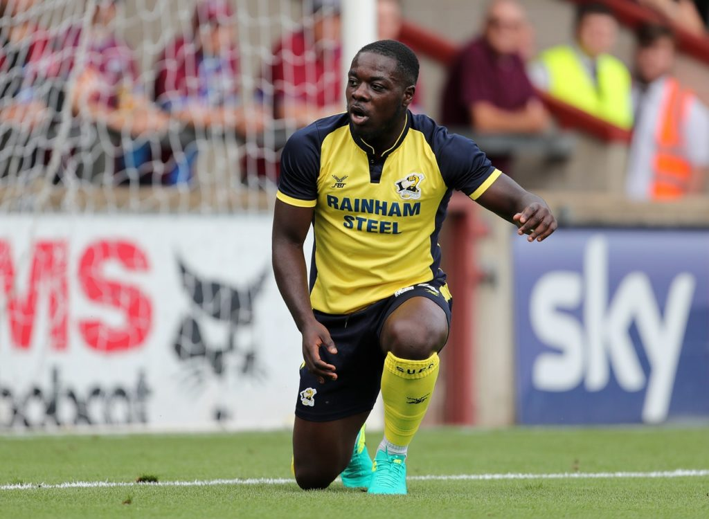 Olufela Olomola has rejoined Yeovil on loan until January, the club have announced.