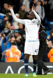 West Ham are considering bringing in free agent Yaya Toure after their poor start to the season, reports claim.