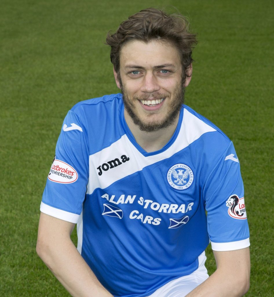 Tommy Wright has paid tribute to Murray Davidson as St Johnstone's Mr Indestructible prepares to notch up his 300th club appearance.