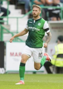 Hibernian maintained their free-scoring Easter Road form with a 3-0 win over Motherwell in their Ladbrokes Premiership opener.