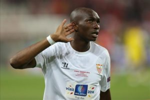 Cameroon international Stephane Mbia has signed a one-year contract with Toulouse after joining on a free transfer.