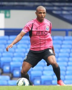 West Ham are now showing renewed interest in Porto playmaker Yacine Brahimi, according to reports in Portugal.