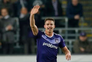 Wolves have completed the signing of Belgium international Leander Dendoncker on an initial season-long loan deal from Anderlecht.