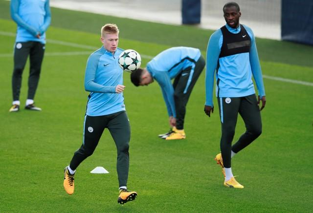 Manchester City manager Pep Guardiola has confirmed Kevin De Bruyne is fit to face Arsenal at the Emirates on Sunday.