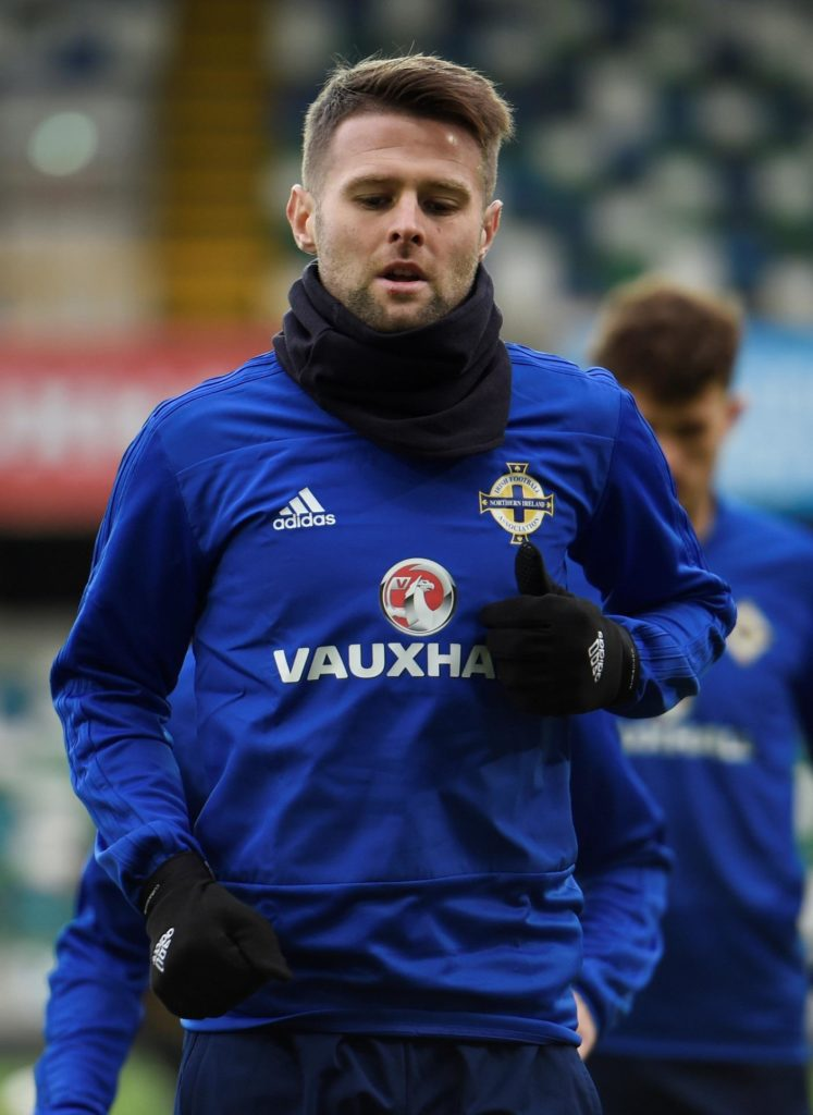 Sheffield United have beaten Hull City to the loan signing of midfielder Oliver Norwood with a view to a £2million permanent move.