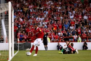 Nottingham Forest's Lewis Grabban has set his sights on scoring the goals required to take the club into the Premier League.