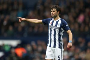 Nottingham Forest have signed former West Brom midfielder Claudio Yacob.