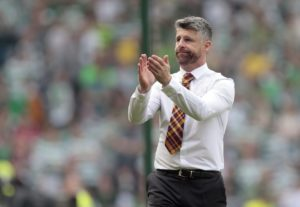 Stephen Robinson poured praise on his Motherwell players for their dazzling display to beat Dundee.