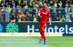 Marco Fabian is determined to put a few tough weeks behind him and fight for his place in the Eintracht Frankfurt team.