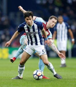 Nottingham Forest are on the verge of signing free agent Claudio Yacob, reports claim.