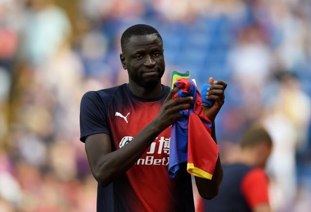 Cheikhou Kouyate admits his fellow midfielders have played a significant part in helping him adapt to life at Crystal Palace.