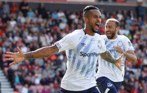 Everton's Theo Walcott says he feels more settled at the club this season after some early teething problems.