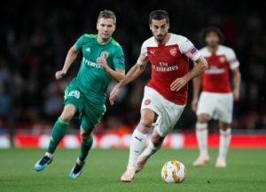 Arsenal will hand Henrikh Mkhitaryan a late fitness test ahead of the visit of Everton after he suffered an ankle injury in midweek.