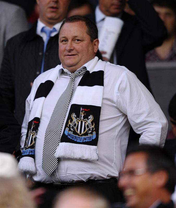 Mike Ashley has reportedly informed the Newcastle squad and Rafa Bentiez he will not sell the club but has vowed to change his approach.