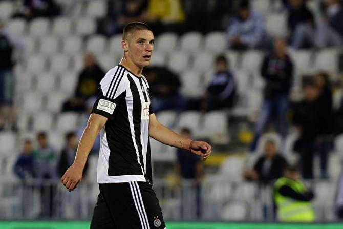 Manchester United boss Jose Mourinho will watch Fiorentina centre-back Nikola Milenkovic in action for Serbia against Montenegro.