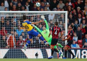 Substitute Manolo Gabbiadini missed a great last-gasp chance as Southampton had to settle for a 0-0 draw at Bournemouth.