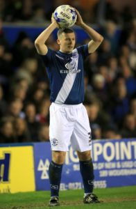 Bradford have completed the signing of Paul Caddis on a deal until the end of the season.