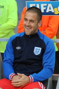 Former England, West Ham and Chelsea midfielder Joe Cole has announced his retirement.
