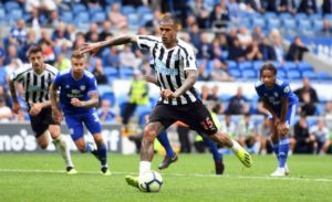 Newcastle boss Rafael Benitez says he has no plans to cancel Kenedy's loan stay and challenged the winger to rediscover his form.