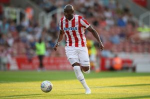 Play-off hopefuls Stoke stretched their unbeaten Championship run to seven matches after a 2-2 draw at struggling Reading.