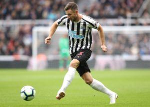 Paul Dummett will be missing for the third straight game when Newcastle United make the trip to Everton on Wednesday night.