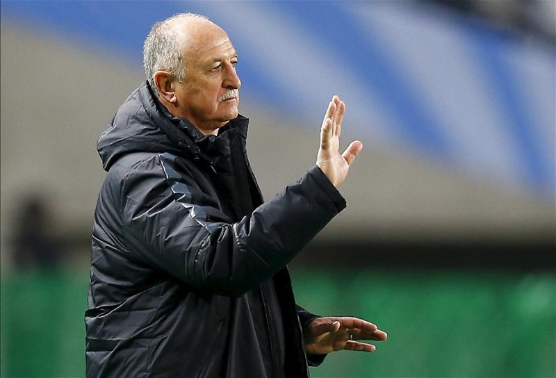 Former Brazil and Chelsea boss Luiz Felipe Scolari has revealed he has been approached by the Colombia national team.