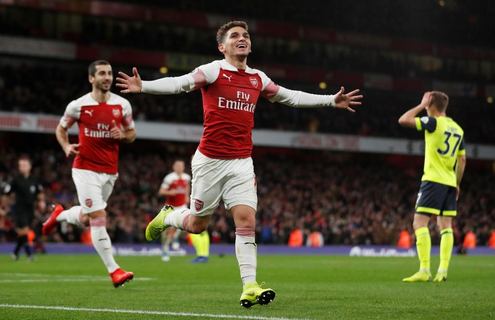 588aa5c33c5 Lucas Torreira was the hero for Arsenal as his late overheard kick helped  Arsenal overcome dogged