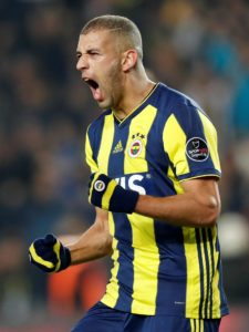 Fulham boss Claudio Ranieri is reportedly keen on a reunion with Islam Slimani if he becomes available in January.