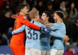 Holders Manchester City reached the semi-finals of the Carabao Cup as they overcame Leicester City 3-1 in a penalty shootout.