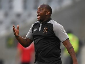 Kaizer Chiefs will look to make it three wins in a row in the Premiership when they face high-flying Cape Town City in Wednesday's clash at FNB Stadium.