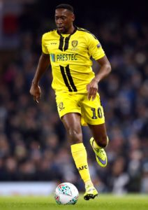 Lucas Akins and Marcus Harness have signed new contracts with Burton, the Sky Bet League One club have announced.
