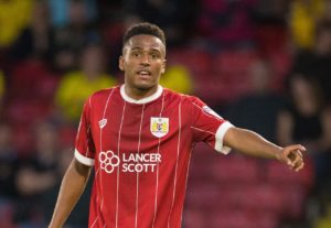 Niclas Eliasson's brilliant first-half goal proved the winner in a stirring FA Cup fourth-round tie as Bristol City edged out Bolton 2-1 at Ashton Gate.