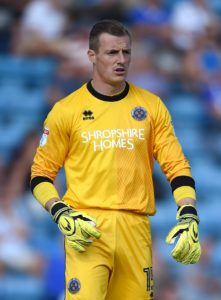 Portsmouth goalkeeper Craig MacGillivray has extended his contract until the summer of 2021.