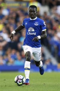 Paris Saint-Germain continue to be linked with Everton star Idrissa Gueye, but reports claim the asking price may be a problem.