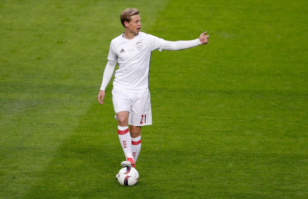 In-demand midfielder Frenkie de Jong has made it clear he will not be leaving Ajax this month.