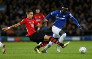 Crystal Palace are believed to have turned their attentions to Everton's Oumar Niasse after a move for Dominic Solanke fell through.