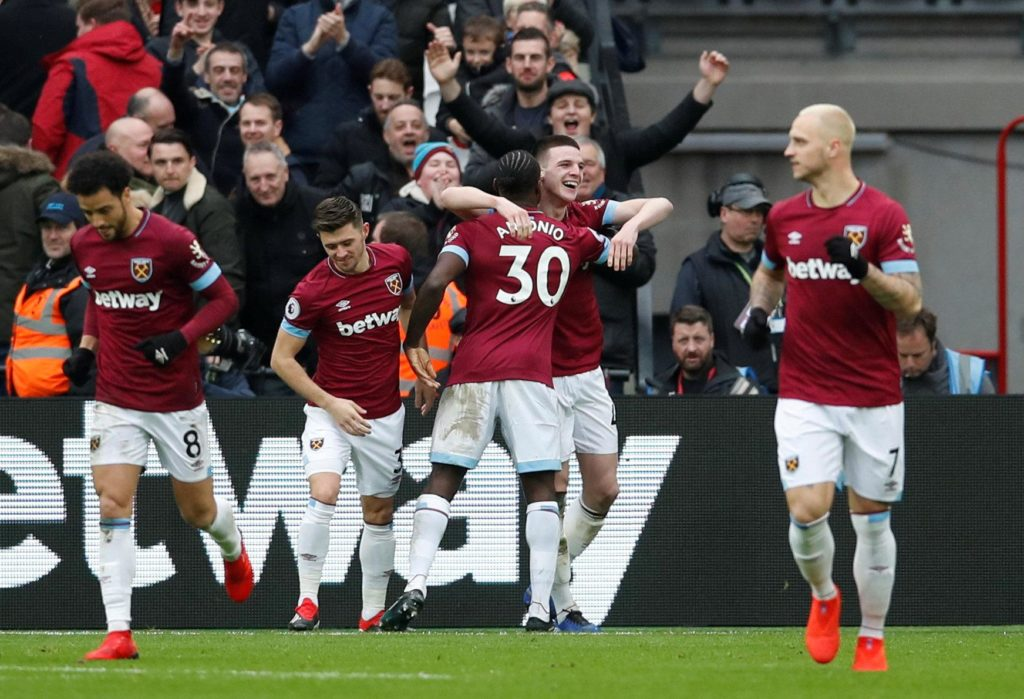 West Ham recorded a rare league win over below-par Arsenal at the London Stadium as they moved up to eighth place in the table.