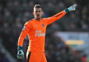 Newcastle goalkeeper coach Simon Smith says Martin Dubravka deserves to be viewed amongst the Premier League's elite.