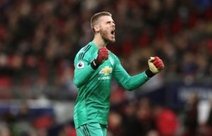Paris Saint-Germain are keeping an eye on David de Gea's contract situation at Manchester United, with a view to making a move.