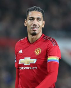 Manchester United ace Chris Smalling is hoping to be selected to face Chelsea on Monday and says his broken toe is fully healed.