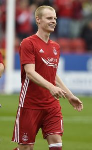 Gary Mackay-Steven took his goal tally against Hibernian to six in 18 months to earn Aberdeen a 2-1 victory at Easter Road.